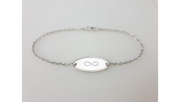 "Bracelet ""Oval Named"" on the chain"