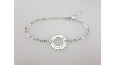 "Bracelet ""Circle of Name"" on a chain"